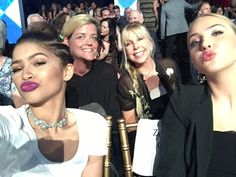"Zendaya on Twitter: ""Mommy daughter date at dwts @/veronica_dunne """