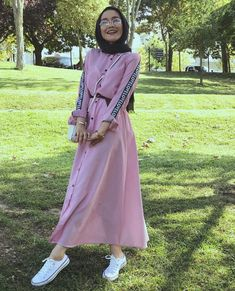 edanurkir Modern Hijab Fashion, Modesty Fashion, Abaya Fashion, Muslim Fashion, Fashion Dresses, Hijab Gown, Hijab Style Dress, Casual Hijab Outfit, Hijab Chic