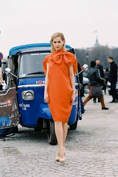 let's see that again... #LeighLezark and that orange number. ah-mazing. Paris. #VanessaJackman