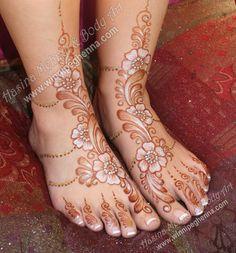 Winnipeg Henna by Hasina Mehndi & Body Art Wedding Henna Designs, Henna Designs Feet, Stylish Mehndi Designs, Henna Designs Easy, Henna Tattoo Designs, Tattoo Ideas, Henna Mehndi, Henna Art, Mehndi Art