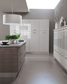 Nowoczesne meble kuchenne Gloss Kitchen Cabinets, Divider, Room, Furniture, Google Search, High Gloss, Home Decor, Bedroom, Decoration Home