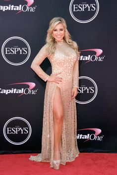 Russell Wilson and more stars and athletes attend the 2017 ESPYs. Espy Awards, Wonderwall, Nice Legs, Red Carpet, Runway, Spring Summer, Russell Wilson, Formal Dresses