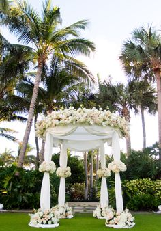 Ceremony on the Front Lawn... Beautiful flowers #BreakersWedding