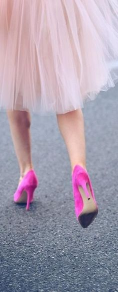 Tulle skirt + pink pumps.