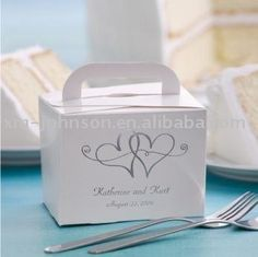 8d9fe666a8 This easy-to-assemble cake box is perfect for your guests at your wedding  reception. Personalized free and add our Twin Hearts design.