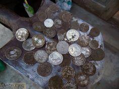 Кто ищет, тот найдет или кошель серебряных монет. He who seeks will find, or purse of silver coins