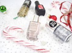 Festive Manicure Ideas   I love any excuse for holiday nails; Valentines Easter anything goes. In my opinion Christmas nails are always the best when they have a hint of sparkle. Anyway I thought I would put together a few of my favourite ideas. I hope you like them!  I have used mySensatioNailkit in all of these. This post is in no way sponsored I just absolutely love it. And for truly festive nails why don't you try nail stickers instead? It saves spending all that money on a salon…