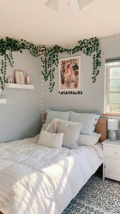 Dorm Room Designs, Room Design Bedroom, Room Ideas Bedroom, Bedroom Inspo, Bedroom Decorating Ideas, Teen Bedroom, Stylish Bedroom, Cozy Room, House Rooms