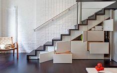 Cómo aprovechar el espacio bajo la escalera (IV): Armarios y cajoneras