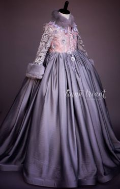 (3) Anna Triant Couture - official resale, rent and trade group