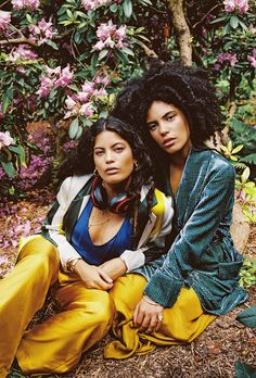 Ibeyi pour Paulette magazine I shot by Louise Carrasco Paulette Magazine, Love Twins, Cool Style, My Style, My Black Is Beautiful, Hair Photo, Wabi Sabi, Pretty People, Trendy Outfits