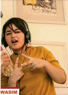 """Zaira Wasim"" Some Unseen And Old Pictures Zaira Wasim, Stylish Girl Pic, Old Pictures, Awkward, Ali, Bollywood, Faces, Indian Teen, Teen Actresses"