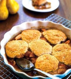 Allergy-Friendly Spiced Pear Cobbler. Free of gluten and all top allergens. #glutenfree #allergyfriendly #foodallergy