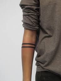 The 34 Kinds Of Tattoos That Look Insanely Hot On Guys Einfaches Armband Tattoo Trendy Tattoos, Tattoos For Guys, Tattoos For Women, Cool Tattoos, Tatoos, Art Tattoos, Band Tattoos For Men, Finger Tattoos, Stripe Tattoo