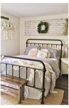 Vintage Bedroom Decor, Decoration Bedroom, Vintage Farmhouse Decor, Farmhouse Bedroom Decor, Country Farmhouse Decor, Farmhouse Style Kitchen, Modern Farmhouse Kitchens, Cozy Bedroom, Home Decor Bedroom