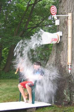 How fun would it be to have your own Dunk Bucket in your back yard? Loads of fun! #SummerVacationActivity