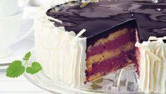 Raikas ja aromaattisen maukas mustaherukka-jogurttikakku kruunaa juhlapöydän herkullisella maullaan ja ulkonäöllään.
