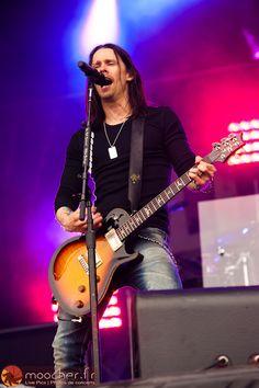 Myles Kennedy of Alter Bridge Hellfest 2011