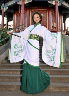 Beauty in traditional Chinese clothing —— HanFu Hanfu, Cheongsam, Traditional Fashion, Traditional Chinese, Traditional Dresses, Traditional Kimono, Chinese Kimono, Japanese Kimono, Oriental Fashion