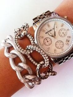 Michael Kors has my ? kate spade new york 'popsicle' coin purse michelle watch Michael Kors Chain Bracelet Chronograph Watch. Bling Bling, Jewelry Accessories, Fashion Accessories, Fashion Jewelry, Gold Jewelry, Jewlery, Chunky Jewelry, Bullet Jewelry, Layered Jewelry