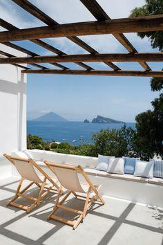 Donos Sandra e Nanni Fadini + Arquiteto Maurizio Mancini - Panarea, na Sicília