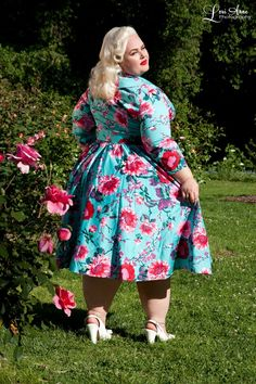 Pinup Couture Plus Size Birdie Dress in Three-Quarter Sleeves in Turquoise Floral