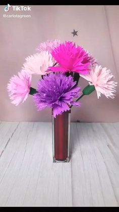 Paper Flower Patterns, Paper Flower Art, Paper Flowers Craft, Paper Flower Tutorial, Paper Roses, Flower Crafts, Diy Flowers, Purple Flowers, Tissue Paper Flower Diy