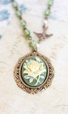Cameo Necklace Ivory Rose Pendant Rose Necklace Bird Charm Statement Fairytale Jewelry Green Glass S Cameo Jewelry, Cameo Necklace, Rose Necklace, Jewelry Necklaces, Ursula Necklace, Jewlery, Silver Jewellery, Ring Earrings, Vintage Inspiriert