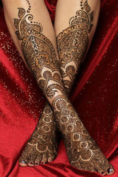 love this bridal foot mehendi. More on the blog. #Frugal2Fab