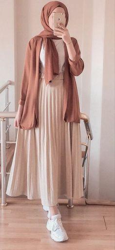 Hijab Fashion Summer, Modest Fashion Hijab, Modern Hijab Fashion, Casual Hijab Outfit, Hijab Fashion Inspiration, Islamic Fashion, Muslim Fashion, Mode Inspiration, Look Fashion