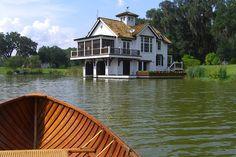 【スライドショー】米ジョージア州、水に浮かぶボートハウス風邸宅 - WSJ.com