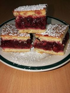 Meggyes pite Cake Cookies, Pastries, Tiramisu, Food And Drink, Pie, Yummy Food, Sweets, Meals, Fruit