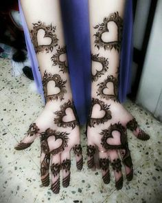 Adorn your hands with latest mehendi designs that can be perfectly curated by Mehndi Artist in Delhi to make your mehendi ceremony unforgettable. Henna Hand Designs, Mehandi Design For Hand, Mehndi Designs Finger, Simple Arabic Mehndi Designs, Modern Mehndi Designs, Mehndi Design Pictures, Mehndi Designs For Fingers, Henna Tattoo Designs, Mehndi Images