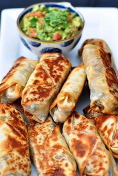 Baked and healthy Southwestern Eggrolls.these actually get crispy! Can add chic Baked and healthy Southwestern Eggrolls.these actually get crispy! Can add chicken for extra protein to make a meal. Made about 16 egg rolls! Source by Think Food, I Love Food, Healthy Snacks, Healthy Eating, Healthy Recipes, Dinner Healthy, Breakfast Healthy, Healthy Appetizers, Healthy Cooking