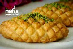 Kalburabastı Tarifi nasıl yapılır? 1.332 kişinin defterindeki Kalburabastı Tarifi'nin resimli anlatımı ve deneyenlerin fotoğrafları burada. Yazar: zeynep isimbay Baked Potato, Food And Drink, Potatoes, Meals, Baking, Vegetables, Ethnic Recipes, Desserts, Bakken