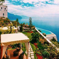 Somewhere between Positano and Amalfi. Photo courtesy of canvastravelco on Instagram.