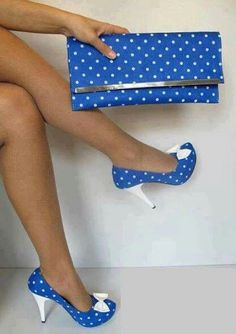 """This is awesome. Love the heels and the fact there is a matching """"Clutch"""" to go with them"""