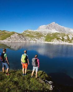 Der Sommer am Arlberg ist erfrischend vielseitig. Von Gipfeltouren bis leicht begehbaren Wanderrouten und abwechslungsreichen Radwegen. Und am schönsten ist es bei einem Wellnessurlaub im Warther Hof. Entdecke bei uns die Berge für die Sinne. Urlaub Arlberg   Wellness Vorarlberg   Urlaub in den Bergen Bergen, Hotels, Mountains, Nature, Travel, Mountain Landscape, Explore, Swimming, Naturaleza