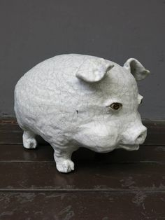 Pig with round cheeks, ceramic