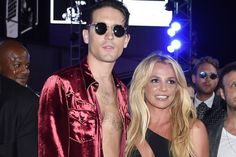 Britney Spears Performs 'Make Me' and 'Me, Myself & I' with G-Eazy at 2016 MTV VMAs