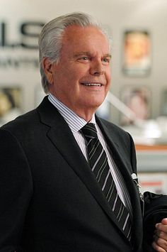 Robert Wagner and Michael Weatherly in NCIS: Naval Criminal Investigative Service Ncis Series, Serie Ncis, Tv Series, Ncis Gibbs Rules, Ncis Rules, Anthony Dinozzo, Ncis Characters, Leroy Jethro Gibbs, Ncis Cast