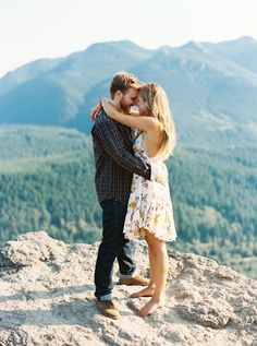 Photography: Anna Peters - annapetersphoto.com   Read More on SMP: http://www.stylemepretty.com/2014/12/15/washington-engagement-at-rattlesnake-ridge/