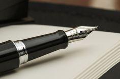 Pilot Metropolitan Fountain Pen - Massdrop I've always wanted a fancy pen!