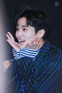 Cre: on pic Nct 127 Mark, Mark Nct, Winwin, Taeyong, Jaehyun, Yuta, Lee Min Hyung, Kpop Couples, Lee Soo