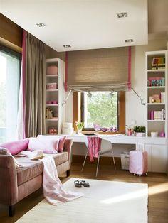 Espacios únicos para una adolescente  Si hay suficiente espacio, aprovéchalo creando un rincón de lectura con un sillón o un sofá.