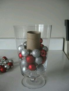 Christmas bauble vase / centrepiece- awesome