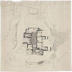 Esta semana presentamos la Maison Carré, la única obra que el gran arquitecto finlandés Alvar Aalto (1898-1976) construyó en Francia. Aalto edificó esta casa entre 1957 y 1960. Se trata de una obra mucho menos conocida que sus casas más típicas, pero no por eso es menos interesante. Nos resulta sugerente la combinación de volúmenes …