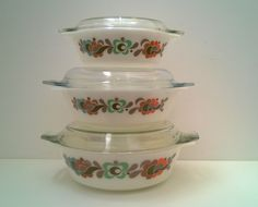 Pyrex vintage casserole set of 3 with lids by TheLittleIrishShop