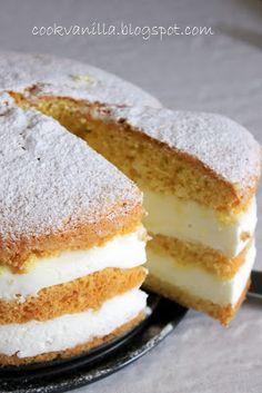 Torta profumata , semplicee leggera. Io ho voluto strafare con la crema ,ma dopo averla assaggiata, il giusto equilibrio ...