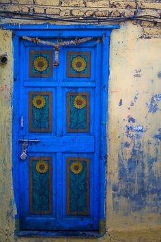 blue door by beetlemac